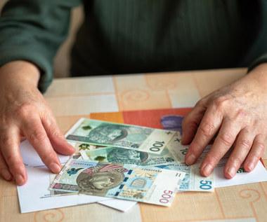 Trzynasta emerytura: Pierwsze wypłaty ruszyły!