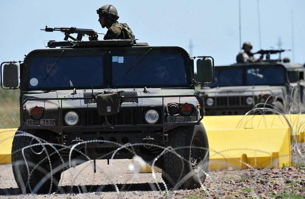 Trzynastu afgańskich żołnierzy zginęło w piątek w ataku talibskich rebeliantów. /DANIEL MIHAILESCU /AFP
