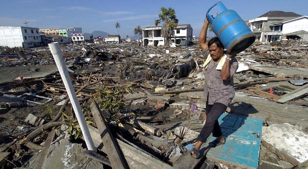Tsunami z 2004 roku /AFP
