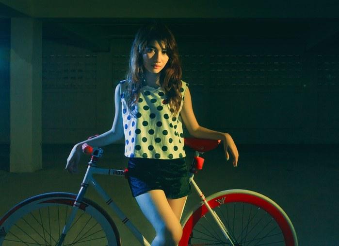 Tu miało być zdjęcie faceta na rowerze, ale uznaliśmy, że ona prezentuje się znacznie lepiej /materiały prasowe