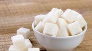 Tuczy i rujnuje zdrowie? Fakty i mity na temat cukru