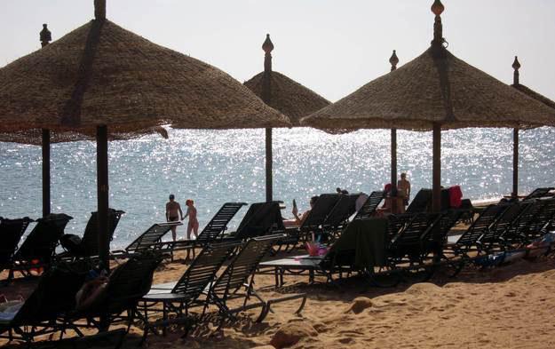 TUI Poland zdecydowało się odwołać wszystkie imprezy turystyczne w Egipcie do końca sezonu letniego. /AFP