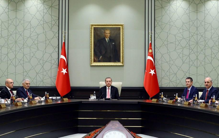 Turcja: Aresztowano dwóch sędziów Trybunału Konstytucyjnego /TURKISH PRESIDENTAL PRESS OFFICE / HANDOUT /PAP/EPA
