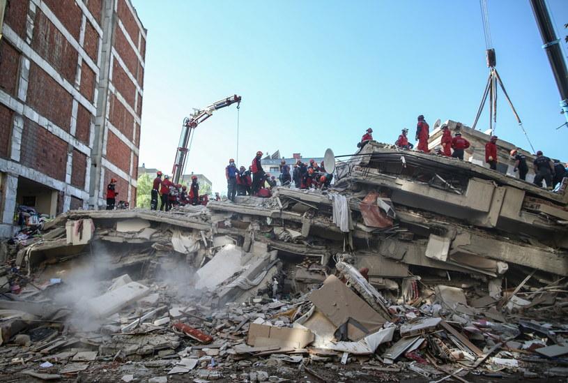 Turcja: Do 27 wzrosła liczba ofiar śmiertelnych trzęsienia ziemi /ERDEM SAHIN /PAP/EPA