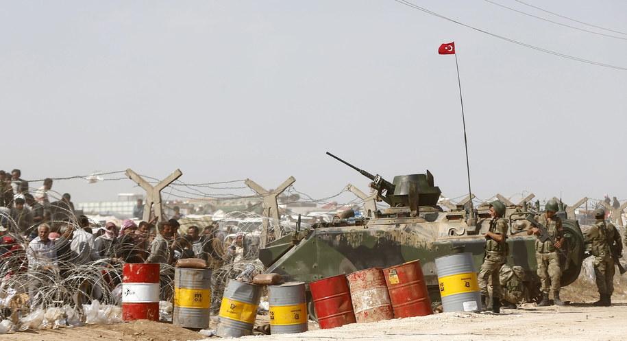 Turcja dzieli z Syrią i Irakiem granicę liczącą 1200 km /SEDAT SUNA /PAP/EPA