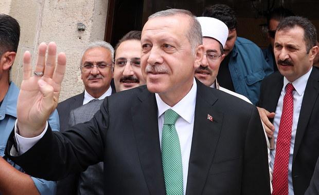 """Turcja ma poważny kłopot z walutą. Erdogan mówił, że to """"spisek"""""""