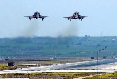 Turcja: Poderwano myśliwce po starciach z ISIS na granicy z Syrią