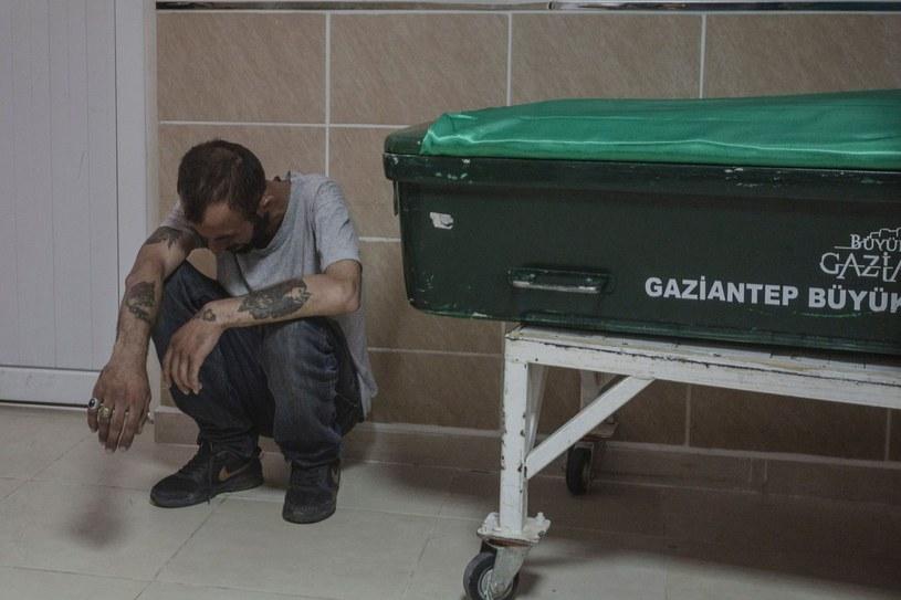 Turcja w ostatnim czasie była wielokrotnie atakowana przez bojowników. Na zdjęciu krewny jednej z ofiar ataku na kurdyjskie wesele w Gaziantep /AFP