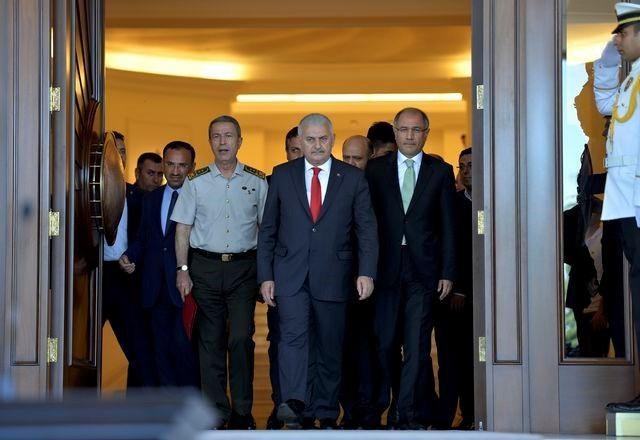 Turcja wypowiada wojnę zwolennikom imama /AFP