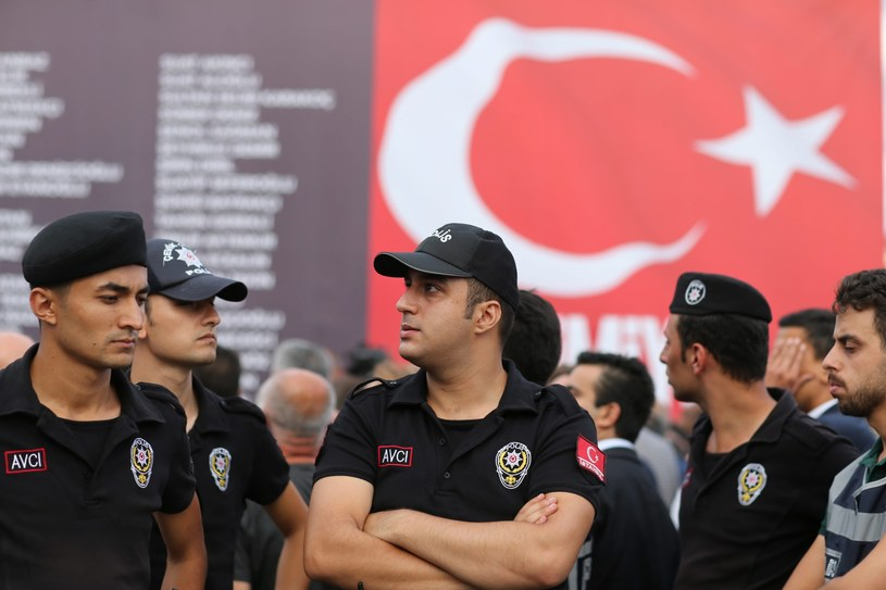 Tureccy policjanci na ulicach Ankary /PAP/EPA