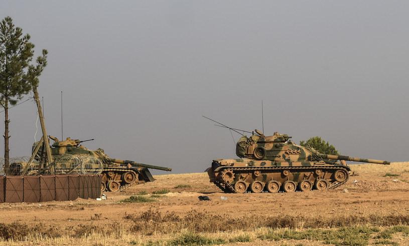 Tureckie czołgi biorące udział w operacji wojskowej w Syrii /AFP