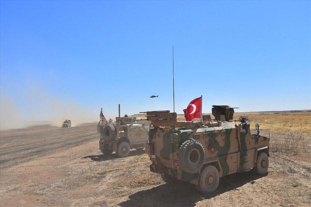 Tureckie i amerykańskie siły w północno-wschodniej Syrii przy granicy z Turcją, 8 września 2019 /TURKEY'S NATIONAL DEFENSE MINISTRY HANDOUT /PAP/EPA