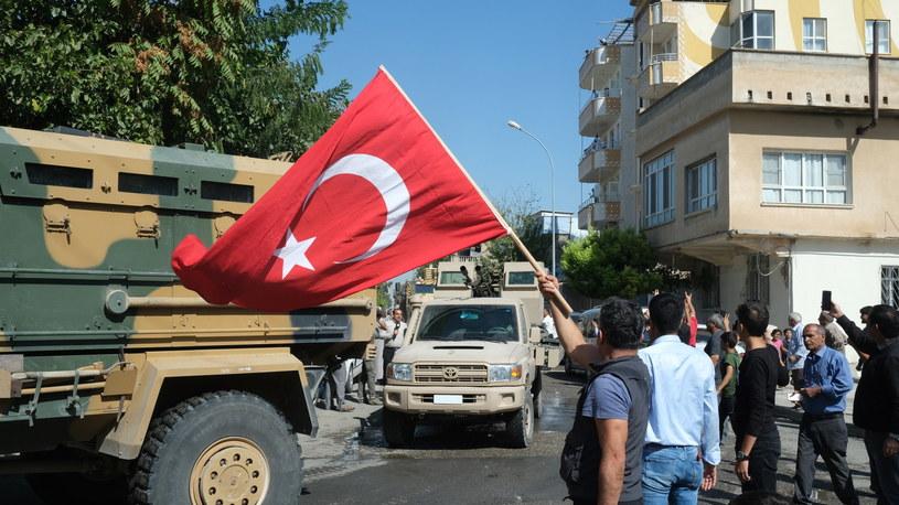 Tureckie siły w drodze do Syrii /PAP/EPA/STR /PAP/EPA