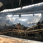 Turek: Ogromny pożar hali zakładu produkującego meble