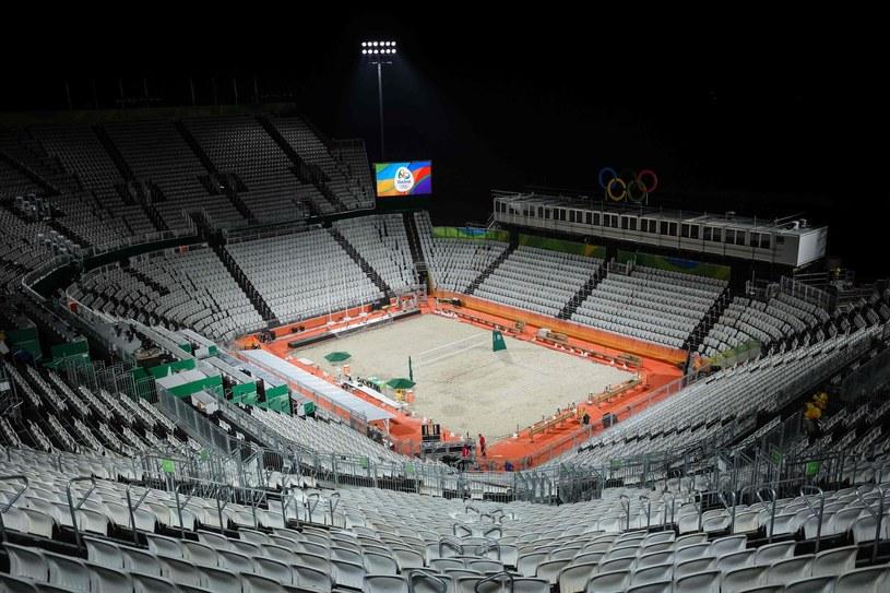 Turniej olimpijski w siatkówce plażowej rozgrywany jest na słynnej Copacabanie /AFP