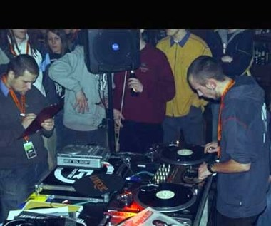 """TuRNtable Contest 2006"""