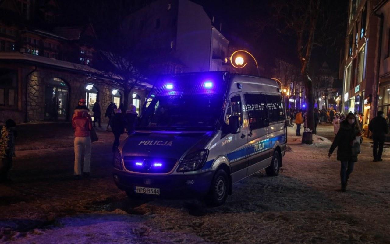 Turyści bez maseczek. Prawie 300 nałożonych mandatów w Zakopanem
