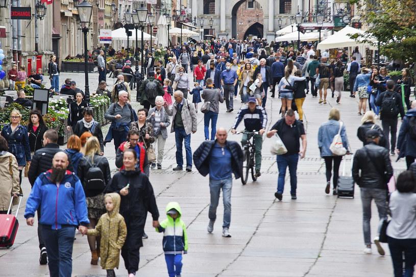Turysci na Starym Mieście w Gdańsku, zdjęcie ilustracyjne /Stanislaw Bielski/REPORTER /Reporter