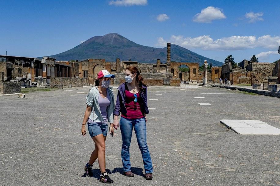 Turyści w maseczkach zwiedzają Pompeje (zdj. ilustracyjne) /Antonio Balasco / IPA /PAP/PA