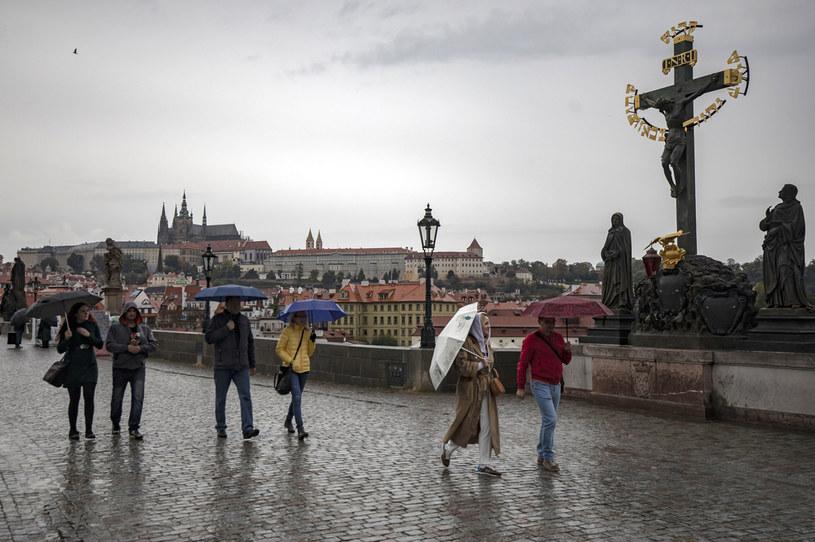 Turyści w Pradze w czasie epidemii /Gabriel Kuchta /Getty Images