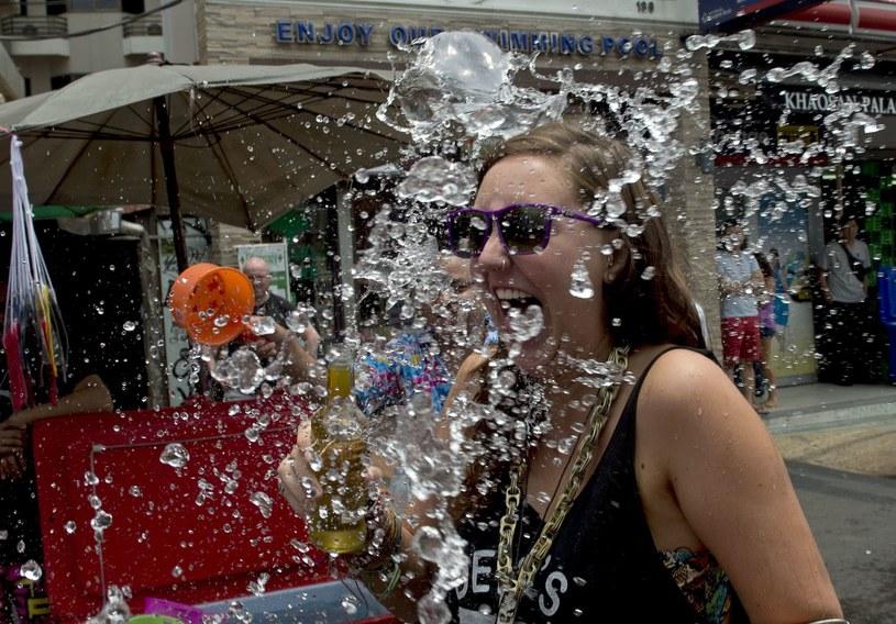 Turystka w Bangkoku /AFP