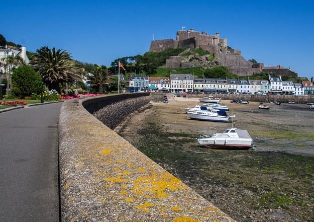 Twierdza w Gorey na wyspie Jersey /foto. pixabay /