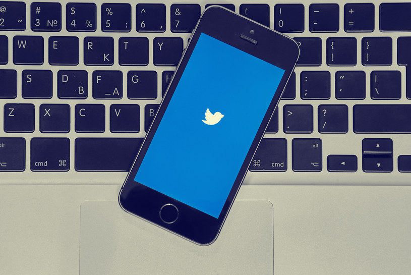 Twitter ostrzega użytkowników /123RF/PICSEL