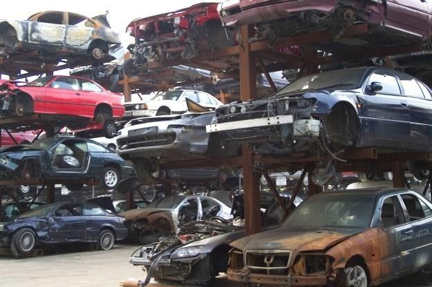 Unikalne Twój samochód to kawał złomu? - Motoryzacja w INTERIA.PL KL35