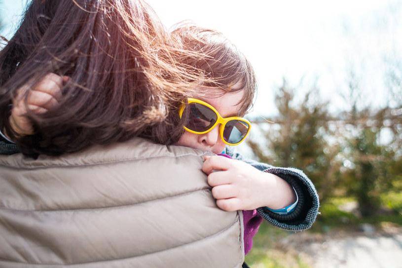 Twoje dziecko obserwuje cię w takim samym stopniu, w jakim cię słucha /123RF/PICSEL