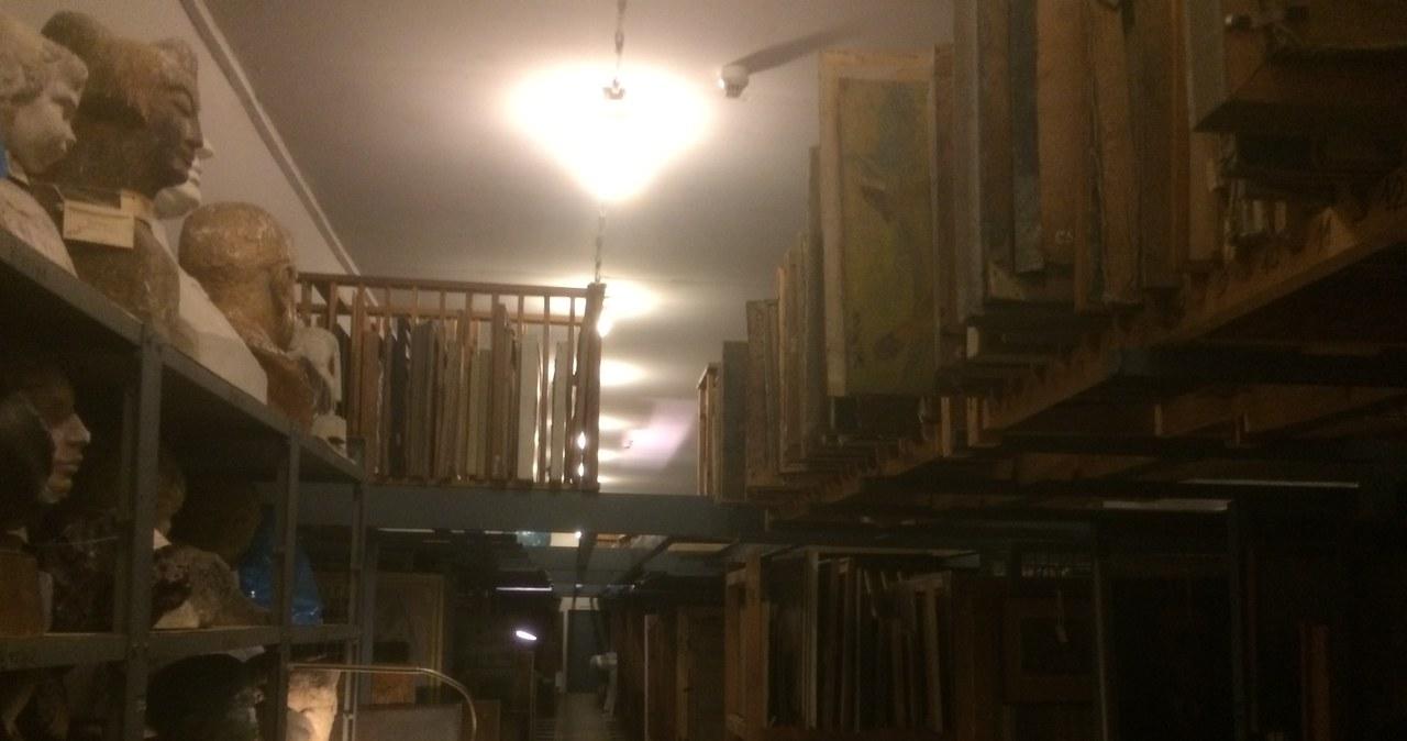 Twoje Niesamowite Miejsce: Muzeum socrealizmu w magnackim pałacu