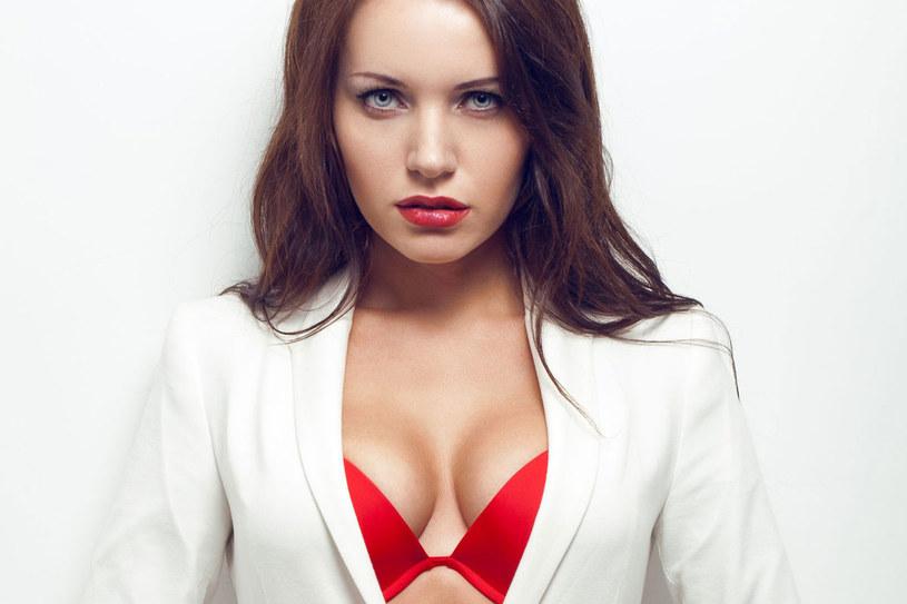 Twoje piersi są najlepiej przystosowane do karmienia. Mniej więcej do 35. roku życia tworzy je głównie tkanka gruczołowa /123RF/PICSEL