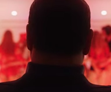 """Twórca """"Młodego papieża"""" nakręcił film o Berlusconim. Zobacz zwiastun!"""