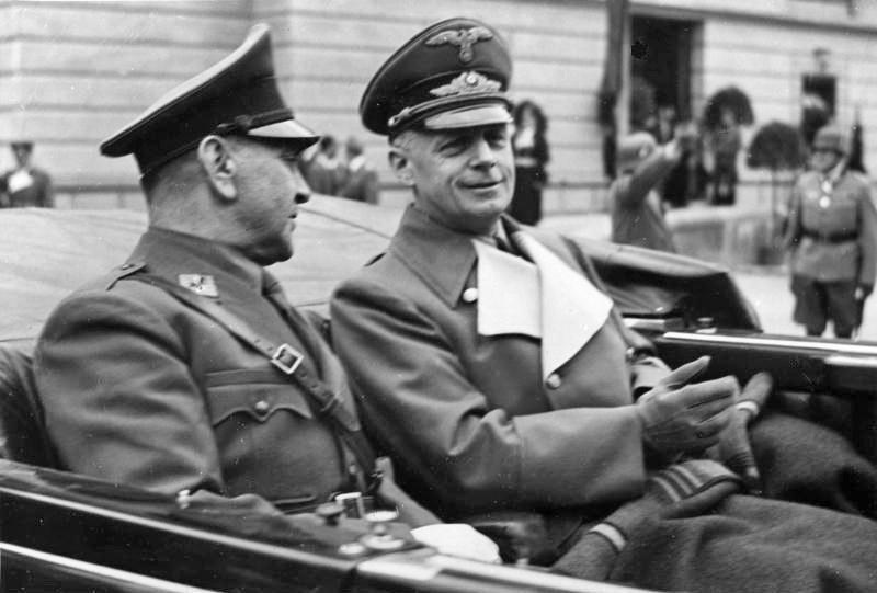 Twórca Ustaszy Ante Pavelić (po lewej) i minister III Rzeszy Joachim von Ribbentrop /Wikimedia Commons – repozytorium wolnych zasobów /INTERIA.PL/materiały prasowe