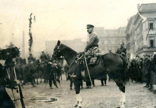 Józef Piłsudski; AAN, Akta Ignacego i Jana Mizikowskich, sygn. 12