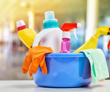 Tych produktów do czyszczenia nigdy ze sobą nie łącz