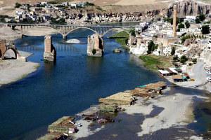 Tygrys i Eufrat - nad rzekami starożytnej Mezopotamii