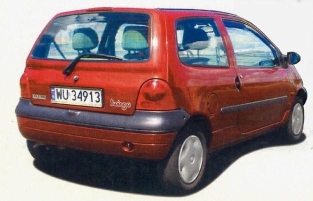 Tył samochodu ładnie współgra z przodem. Całość tworzy ładną i zwartą bryłę. Brakuje tylko dodatkowej pary drzwi. /Motor