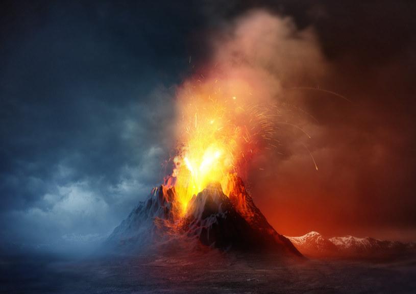 Tylko 1/3 węgla podpowierzchniowego wraca na Ziemię podczas erupcji wulkanów /123RF/PICSEL