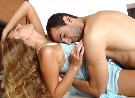 Tylko 27 proc. kobiet osiąga orgazm  w trakcie stosunku /Wydawnictwo Bauer