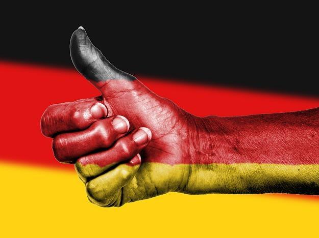 Tylko niemiecka emerytura daje ci święty spokój... /©123RF/PICSEL