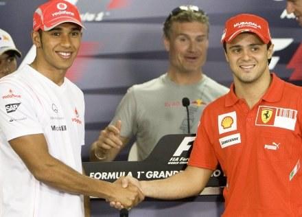 Tym razem Massa wyprzedził Hamiltona /AFP