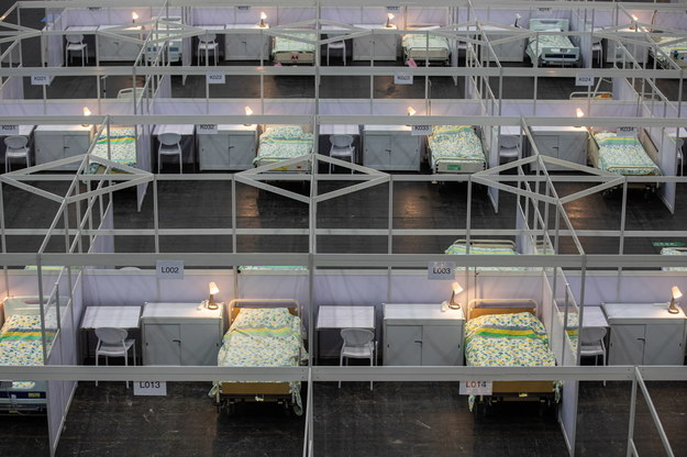 Tymczasowy szpital dla chorych na Covid-19 w Hongkongu /JEROME FAVRE /PAP/EPA