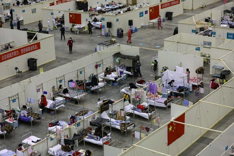 Tymczasowy szpital w Wuhanie w prowincji Hubei w Chinach /Feature China/Barcroft Media  /Getty Images