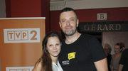 Tymon Tymański z partnerką