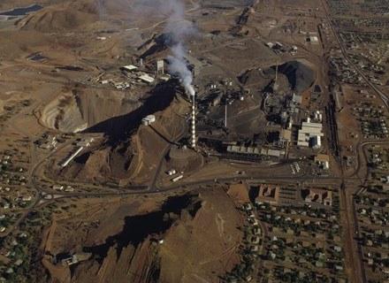 Typowy krajobraz Mount Isa z lotu ptaka, listopad 2001 /Getty Images/Flash Press Media