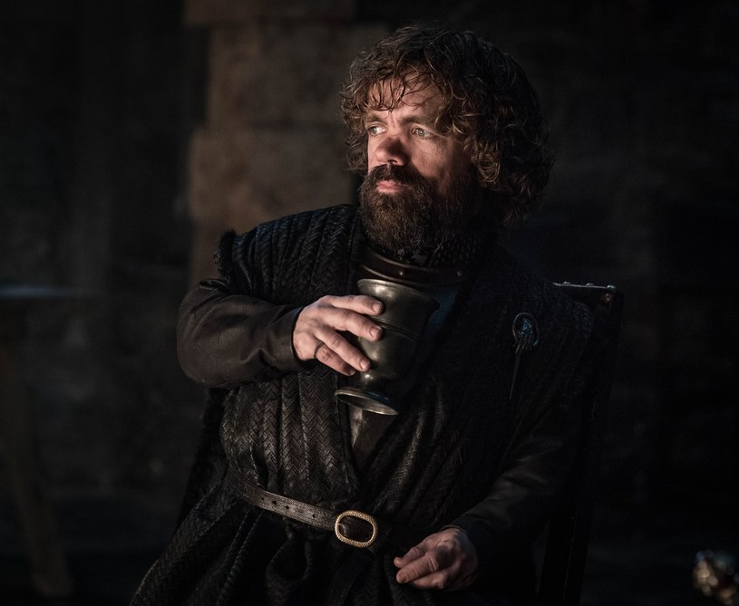 """Tyrion w ósmym sezonie """"Gry o tron"""" /CAP/RFS/Capital Pictures /East News"""