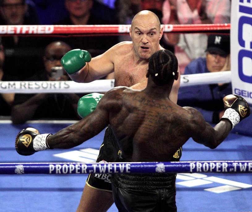 Tyron Fury nie miał litości w ringu dla Deontaya Wildera /AFP