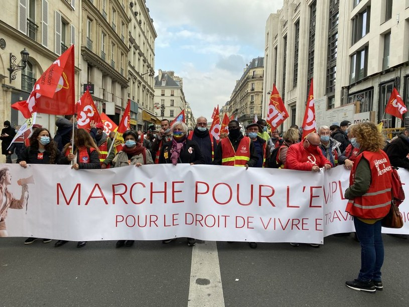 Tysiące demonstrantów w Paryżu za uregulowaniem sytuacji nielegalnych imigrantów /Alaattin Dogru/Anadolu Agency /Getty Images
