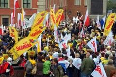 Tysiące ludzi przyszło posłuchać przemówień związkowców: