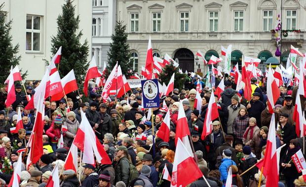 """Tysiące ludzi w """"Marszu w Obronie Demokracji i Wolności Mediów"""""""